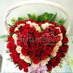 กระเช้าดอกกุหลาบ 2สี รูปหัวใจ รักหมดใจ