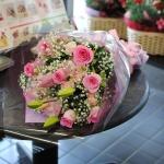 ช่อดอกไม้ บอกรัก สีชมพู