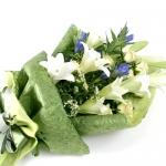 ช่อดอกไม้ ลิลลี่ขาว ทรงยาว เหมาะสำหรับทุกโอกาส