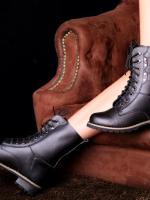 รองเท้าบูทหนังสีดำ