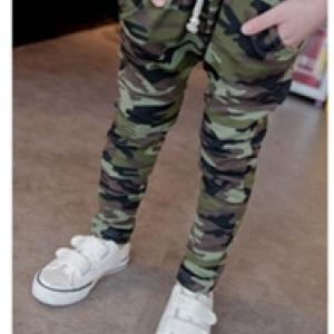กางเกงขายาว ลายทหารพราง สีเขียว ผ้ายืดเนื้อดีค่ะ ไซส์ 90