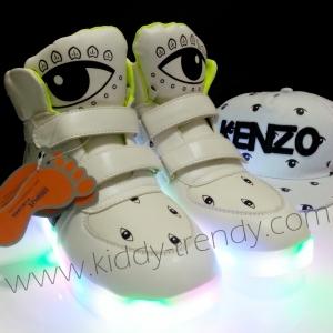 พร้อมส่ง รองเท้าหุ้มข้อสีขาว มีไฟ LED สีผสม มีไฟกระพริบ ไซส์ 37/23.5cm