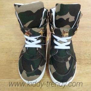รองเท้าเด็กแฟชั่น ผ้าใบลายพรานทหาร สีเขียว งานสวยมาค่ะ ไซส์ 18cm.