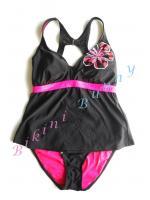 Sale bk939 ชุดว่ายน้ำสีดำตัดชมพูปักลายดอกชบา พร้อมส่ง Size L --> made for life