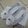 รองเท้าคัทชูหญิง สีขาว มีสายรัดหมุนเก็บได้ ไซส์ 25-36