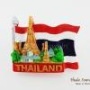 แม่เหล็กติดตู้เย็น ลวดลายวัดอรุณสีพื้นธงชาติไทย รูปทรงธงชาติไทย