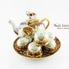ชุดน้ำชาเบญจรงค์ ขนาดกลาง ทรงกาอ้วน ลวดลายเบญจรงค์ลายครึ่งใบผิวถมมุข