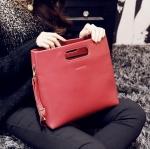 [ พร้อมส่ง ] - กระเป๋าแฟชั่นนำเข้า สไตล์เกาหลี สีแดงเข้มๆ แฟชั่น 2015 ทรงถือเก๋ๆ ดีไซน์สวยเรียบหรู งานหนัง PU คุณภาพสวยเป๊ะเวอร์