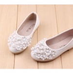 รองเท้าคัชชูเด็กหญิง สีขาว ตกแต่งพุ่มดอกไม้ Size 31-36