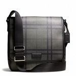 กระเป๋าผู้ชาย COACH รุ่น TATTERSALL PVC MAP BAG F71062