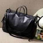 [ พร้อมส่ง ]- กระเป๋าแฟชั่น ถือ&สะพาย สีดำคลาสสิค ใบกลางๆ ดีไซน์สวยเท่เก๋ๆ งานหนังคุณภาพนิ่มมากๆ เหมาะสำหรับสาวๆ Working Woman เท่ๆสุดๆน่าใช้