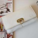 กระเป๋าเงินใบยาว แบรนด์ MUSE สีขาว งานหนังแท้ทั้งใบ แบบเก๋ตรงหัวล็อค งาน Hand Made