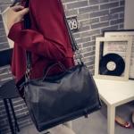 [ พร้อมส่ง ] - กระเป๋าแฟชั่น นำเข้าสไตล์เกาหลี สีดำคลาสสิค ใบกลางๆ ดีไซน์แบรนด์ดังแบบยุโรป งานหนังคุณภาพนิ่มมากๆ เหมาะสำหรับสาวๆ Working Woman เท่ๆสุดๆน่าใช้