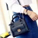 [ พร้อมส่ง ] - กระเป๋าแฟชั่น สะพายไหล่ สีดำคลาสสิค ไซส์ MINI กระทัดรัด ดีไซน์สวยเรียบหรู งานหนังคุณภาพ เหมาะสำหรับสาวๆ
