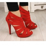 (Pre order)รองเท้าส้นสูงผ้ากำมะยี่ส้นสูง 3.5 นิ้ว สีแดง