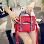 [ พร้อมส่ง ] - กระเป๋าแฟชั่น ถือ&สะพาย สีแดงโดดเด่น ไซส์ MINI ทรงตั้งได้ หัวบิดเปิดกระเป๋า ดีไซน์สวยเก๋ โดดเด่นไม่เหมือนใคร พกพาสะดวก งานหนังอย่างดี