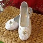 รองเท้าคัชชูออกงานเด็กหญิง หนังแก้วสีขาว หมุนสายรัดข้อเท้าได้ Size Size 25-33