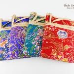 ของที่ระลึกราคาถูก กระเป๋าสะพายข้างลายดอกไม้คละ จำหน่ายทั้งแบบ 1 ใบ และแบบแพ็ค 12 ใบ