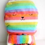 หมอนผ้าห่ม Craftholic สีรุ้ง(เรนโบว์)(ฟรีEMS)