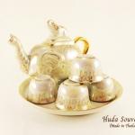 ของขวัญปีใหม่ให้ลูกค้า ชุดน้ำชาเบญจรงค์ ขนาดกลาง กาทรงช้าง ลวดลายโบตั๋นสีทองผิวถมมุขมันเงา
