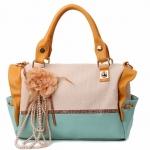 กระเป๋าแฟชั่นเกาหลี สีฟ้า ประดับดอกไม้ห้อยด้านหน้า Desing ถือได้ และสะพายได้ สวยค่ะ