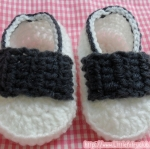 รองเท้าคัทชูแบบสายคาดหน้า