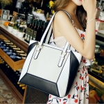 [ Pre-Order Hi-End ] - กระเป๋าแฟชั่น นำเข้าสไตล์เกาหลี สีทรีโทนสุดฮิต(ขาวเทาดำ) แพทเทิร์น์เก๋ๆ ใบกลาง ดีไซน์แบรนด์ดัง ทรง Shopping งานหนังคุณภาพ แบบสวยเรียบหรู ดูดีทุกโอกาสการใช้งาน สาวๆห้ามพลาด