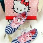รองเท้าเด็ก คัชชู Hello Kitty *ลายขวางน้ำเงิน-ขาว*
