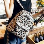 [ พร้อมส่ง Hi-End ] - กระเป๋าเป้แฟชั่น นำเข้าสไตล์เกาหลี ลาย As Model พื้นครีม ดอกชมพูสวยหวาน สุดชิค ดีไซน์สวยเก๋ไม่ซ้ำใคร สวยสุดมั่น เหมาะกับสาว ๆ ที่ชอบกระเป๋าเป้ใบกลาง งานเนี้ยบสวยมากค่ะ