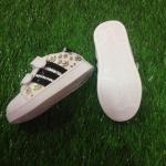 รองเท้าผ้าใบ แถบสีทอง*ขาว* ไซส์ 21-25
