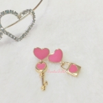ต่างหูกุญแจไขหัวใจ สีชมพู (Key of Heart)