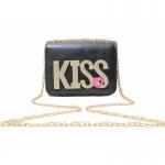***พร้อมส่ง - กระเป๋าแฟชั่น สไตล์เกาหลี สีดำคลาสสิค แต่ง KISS เพชรวิ้งส์ๆ ใบเล็ก กระทัดรัดพกพาสะดวก ดีไซน์น่ารักน่าใช้งานมากๆ