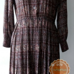 ขายแล้วค่ะ D60:Vintage dress เดรสวินเทจ โทนสีน้ำตาล ลายกราฟฟิคและดอกไม้❤