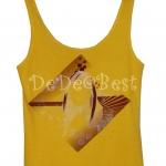 ขายแล้วค่ะ T106:2nd hand top เสื้อกล้ามสีเหลืองแขนกุดสกรีนลายสีเงินที่หน้าอก&#x2764