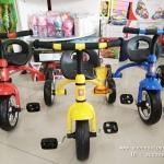 รถจักรยาน 3 ล้อถีบ (โคลงเป็นเหล็ก) มี 3 สี แดง เหลือง ฟ้า