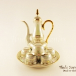 ของที่ระลึก ชุดน้ำชาเบญจรงค์ กาอรชรขนาดกลาง ลวดลายโบตั๋น ผิวเคลือบมุขมันเงา