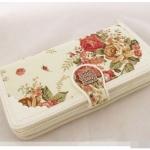 [ เปิดจอง พร้อมส่ง 30/04/15 ] - กระเป๋าสตางค์แฟชั่น สีขาวครีม ใบยาว พิมพ์ลายดอกไม้ สไตล์วินเทจ ช่องใส่บัตร 9 ช่อง ช่องใส่เหรียญ 3 ช่อง ดีไซน์สวยหรูน่าใช้มากค่ะ