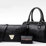 [ พร้อมส่ง ] - กระเป๋าแฟชั่น สไตล์เกาหลี สีดำคลาสสิค Set 3 ชิ้น สุดคุ้ม ดีไซน์แบรนด์ดังแบบยุโรป งานหนังปั้มลายดอก แบบสวยเรียบหรู สาวๆห้ามพลาด