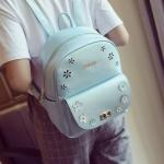 [ พร้อมส่ง ] - กระเป๋าเป้แฟชั่น สีบรอนซ์ฟ้า ใบกลางๆ ฉลุลายดอกไม้ ดีไซน์สวยเก๋เท่ๆ ไม่ซ้ำใคร สวยสุดมั่น เหมาะกับสาว ๆ ที่ชอบกระเป๋าเป้เท่ๆ