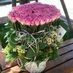 กระเช้ากุหลาบสีชมพูสดใส 99ดอก เซอร์ไพรส์คนพิเศษของคุณ