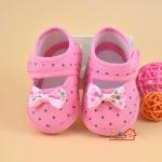 รองเท้าเด็กอ่อนหุ้มส้น โบว์สีชมพูลายจุดน่ารัก