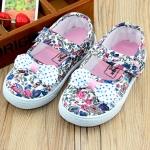 รองเท้าคัชชูผ้าเด็กหญิง Size 17-22 ลายดอกไม้สีฟ้า