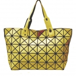 สินค้าขายดี***พร้อมส่ง - กระเป๋าแฟชั่น สีเหลืองทอง ใบใหญ่ สุดฮิต สไตล์แบรนด์ดัง โดดเด่นไปกับดีไซน์สวย ๆ ที่สาวๆ ไม่ควรพลาด