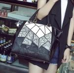 [ เปิดจอง พร้อมส่ง Hi-End 20/03/16 ] - กระเป๋าแฟชั่น นำเข้าสไตล์เกาหลี สีทรีโทนสุดฮิต(ขาวเทาดำ) แพทเทิร์น์แผ่นต่อเก๋ๆ โดดเด่น ใบใหญ่ ดีไซน์แบรนด์ดัง ทรงตั้งอยู่ทรงได้ งานหนังคุณภาพ แบบสวยเรียบหรู ดูดีทุกโอกาสการใช้งาน สาวๆห้ามพลาด