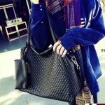 [  เปิดจอง พร้อมส่ง 30/9/14  ] - กระเป๋าแฟชั่น นำเข้าสไตล์เกาหลี สีดำ เย็บตารางบุนิ่ม ดีไซน์สวยหรูเรียบๆ โดดเด่น ที่สาวๆ ไม่ควรพลาด