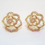 ต่างหูกุหลาบสีทองประดับเพชร (Golden Rose Earrings)