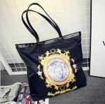 [ พร้อมส่ง ] - กระเป๋าแฟชั่น สะพายไหล่ นำเข้าสไตล์เกาหลี สีดำคลาสสิค พิมพ์ลายสุดหรู ดีไซน์สวยเรียบหรู ทรง Shopping ใบใหญ่ สาวๆชอบงานโดดเด่น ห้ามพลาด