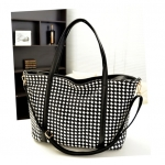 [  พร้อมส่ง  ]  - กระเป๋าแฟชั่น นำเข้าสไตล์เกาหลี สีดำ-ขาว หนังแบบสานสลับขาวดำ อย่างดี ดีไซน์สวยเก๋ ทรง Shopping ใบใหญ่