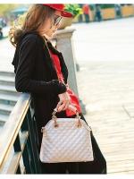 (Pre order)กระเป๋าแบรน Maomao Bag หนัง PU สีขาวครีม พร้อมสายสะพายไหล่