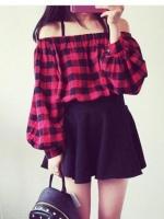 (Pre-order)เสื้อโชว์ไหล่ผ้าฝ้าย ลายสก๊อตสีแดง